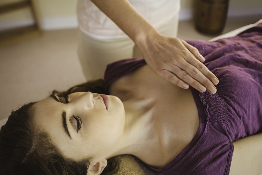 Aura Holistic Counseling Reiki Treatment